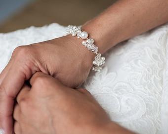 Bridal Bracelet Pearl, Pearl and Crystal Charm Bracelet, Wedding Jewelry, Pearl Wedding Bracelet, Bridal Bracelet