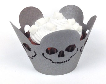 12 halloween skull cupcake wrappers (pearlescent grey paper)
