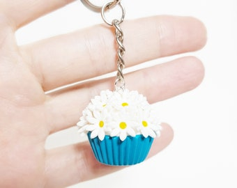Polymer clay white flowers cupcake Miniature food keychain Food keychain Cupcake jewelry Miniature flower Miniature cupcake Food accessory