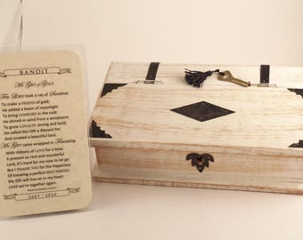 PET LOSS MEMORIAL Whitewash Wood Box with Key In Sympathy Gift Book Box Lock Box Pet Prayer Card Dog Cat Keepsake Remembrance Gift RosaLinda