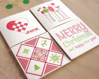 4 typographie cavalier de cartes de Noël de joie, joyeux et lumineux, arbre de vie, Christmas Cheers. Suédois scandinaves en rouge et vert