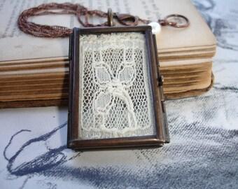 Three Petal Flower Antique Net Lace Locket, Antique Copper Pendant Locket, Romantic, Art Nouveau, Bridesmaid Gift, Vintage Wedding