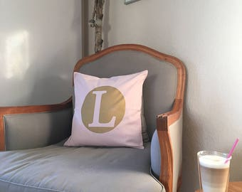 Letterlove. L Like Love. or Lilly. Rosé-gold combo with desired letter in a circle-pillow case 40 x 40 cm
