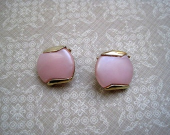 Vintage Pink Moonglow Clip-On Earrings Pearlized Lucite Gold Tone