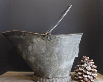 Vintage Pefectly Distressed Galvanized Metal Ash // Coal Bucket With Handle
