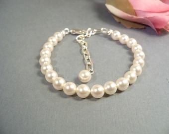 Girls White Pearl Bracelet, Pearl Bracelet, Flower Girl, Kids Jewelry, Toddler Bracelet, Girls Bracelet