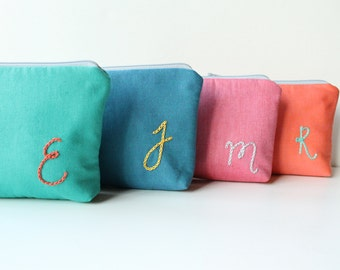 Monogram Makeup Bags, Set of 5 Personalized Bridesmaid Gifts, Initial Zipper Pouch, Custom Colors