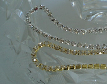 2.8mm Rhinestone Cup Chain with Close Crystals ss10 in Silver or Gold Tone Settings