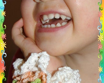 Crocheted ruffled scrunchie