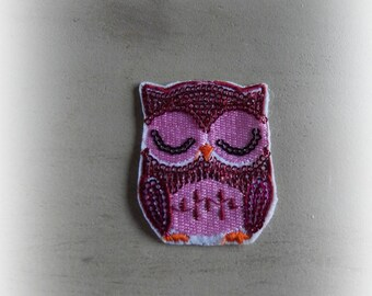 Shield patch / applique OWL - OWL in shades of pink sequined 6 * 4.8 cm