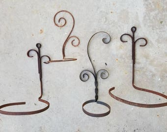 Lot of Four Curly Metal Wrought Iron Scroll Wall Hanging Planters / Plant Pot Holders