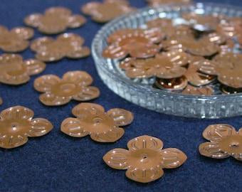 30 • 28 mm Copper Large Flower Sequins