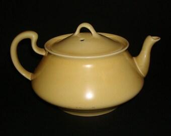 Homer Laughlin Wells Art Glazes Empress Teapot in Yellow