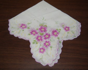 Vintage Ladies Hankie, Handkerchief, Scalloped Edge, flowered hankie, choice of pink or yellow