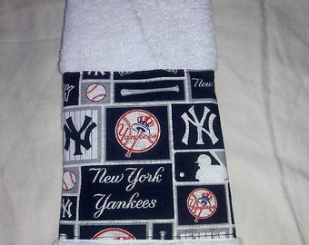 New York Yankees Hand Towel Great for Kitchen, Bathrooms and Bars Great Gift