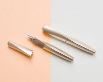 Gold fountain pen, Pelikan ink pen, left handers, right handers, German stationery