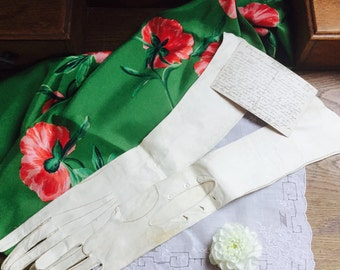 Gorgeous French Vintage Cream Kid Long Evenjng Gloves