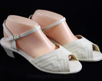 Size 9 Cream Sandals - Unworn 1970s Deco Style Shoes - Extra Wide Width - Ecru Ankle Strap Heels - Peep Toe - 70s Deadstock - 46953-1
