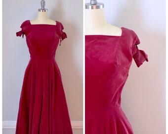 Vintage Dress / 50s Dress / 50s Vintage Dress / Velvet Dress / Fit And Flare / Raspberry / Party Dress / Rockabilly Dress / Extra Small