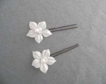hair pins hair clips set of 2 small silk flowers pearls colorizes bridal wedding evening parties