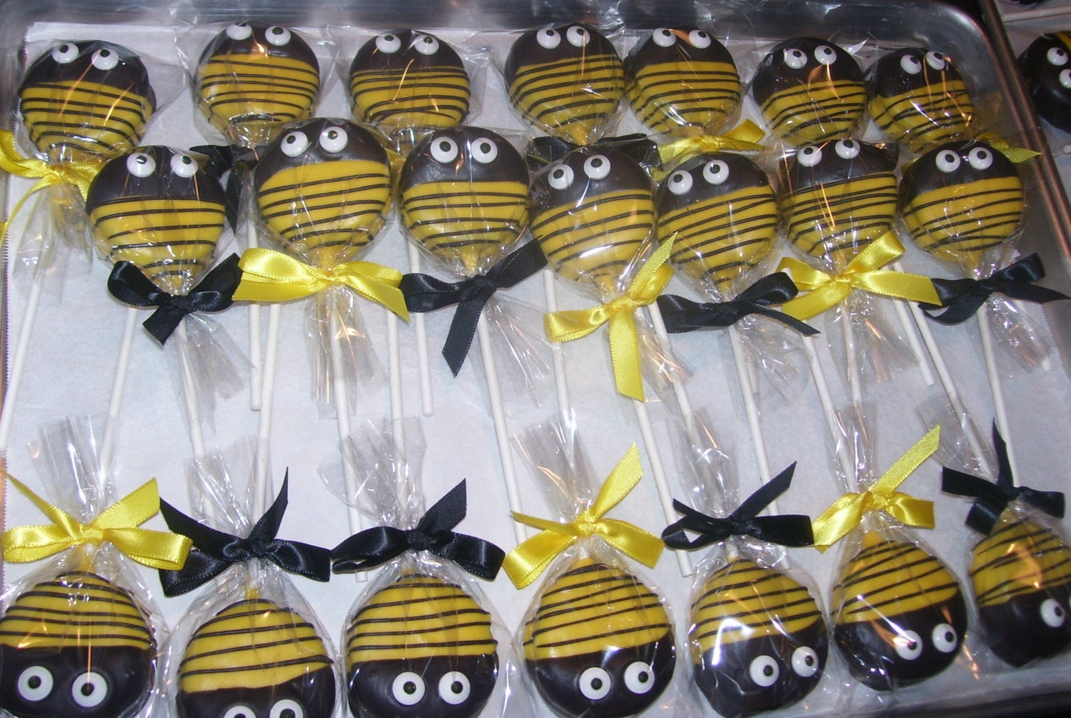 Bumble Bee Or Ladybug Oreo Pops Baby Shower Birthday Party