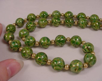 Two tone Kelly Green Cloisonne Beads pink and white flower flowers and gold tone spacers 21 inch long beaded Necklace jewelry V259-2