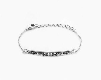 Jolie Bar Bracelet