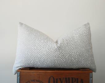 THE HANOVER Lumbar Pillow Cover