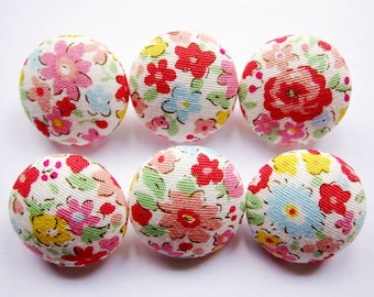 Sewing Buttons / Fabric Buttons - Fabric Covered Buttons - Vintage Chic Red - 6 Medium Buttons