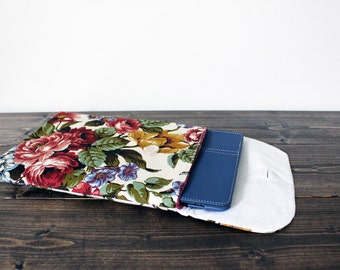 iPad Sleeve, Floral; tablet sleeve, tablet case, tablet cover, samsung tablet cover, ipad cover, ipad case, padded ipad cover, gadget case