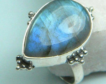 Labradorite Ring, Statement Ring, gift for her Ring, 925 Solid Silver Ring, Gemstone Ring, sterling silver ring, OOAK ring, sterling silver