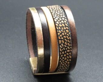 Clio golden brown leather cuff