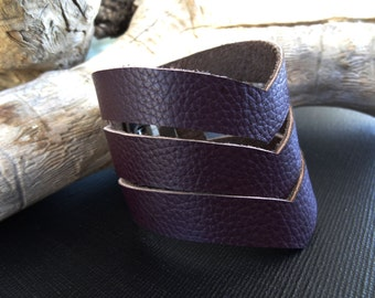 Brown Leather Cuff, Wide Leather Wristband, Genuine  Leather Bracelet, Hand cutted leather,Zig Zag Leather Cuff