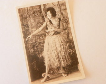 Hawaiian Vintage Postcards (B/W) From 1930's-40's (Set of 31)