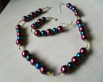 set (necklace and bracelet) chic, modern, colourful (Burgundy, green, blue)