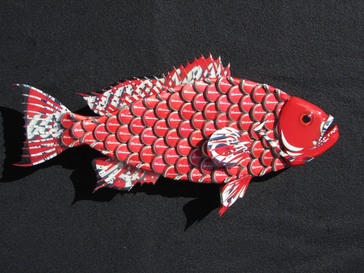 Metal bottle cap fish wall art small budweiser bottlecap red for What can i make with bottle caps