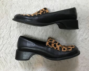 Vintage 90s Kenneth Cole Reaction Moonbeam Cheetah Print & Black Leather Loafers - Size 9.5
