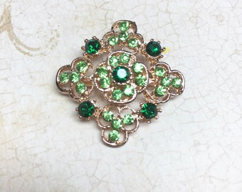 Vintage Brooch, Emerald Green Rhinestones, Gold Tone Filigree, 1960s, Excellent Condition