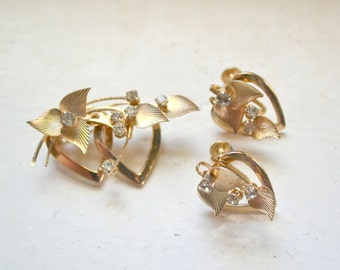 1950s Rhinestones and Hearts Brooch and Screw Back Earrings Set