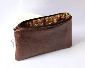 Case / pouch Brown cobra fabric with cherries inside