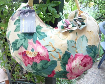 Floral cotton rounded 1 handle handbag
