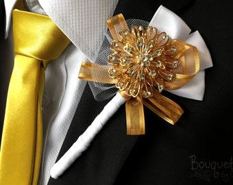 Gold Buttonhole, Wedding Buttonhole, Boutonniere, Mens Wedding Boutonniere, Lapel Pin, Mens Lapel Pin, Gold Lapel Pin, Lapel Flower, Groom