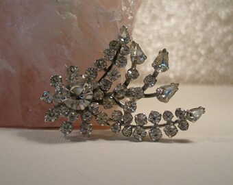 Clear rhinestone sway vintage brooch