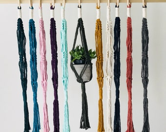 Medium Macrame Plant Hanger | 25"