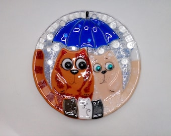 Fused glass plate.  Decorative plate with cats. Fused glass home decor. Fused glass wall art. Cats family. Kitten Art Glass.