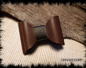 Magnet / Magnet refrigerator bow in Brown and black leather