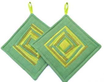 Green Handmade  Linen Quilted Potholders Quilted Hot Pads  Fabric Pot Holders Gift for Mom   Set of 2