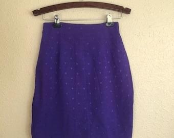 Skirt Sale! Vintage PURPLE DIAMOND Skirt / Womens SMALL