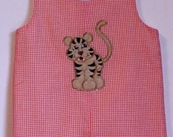 Tiger applique jon jon orange gingham 18/24 months