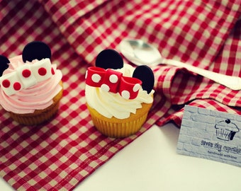 Minnie Mouse Fondant Cupcake toppers 12 pcs Red or Pink.